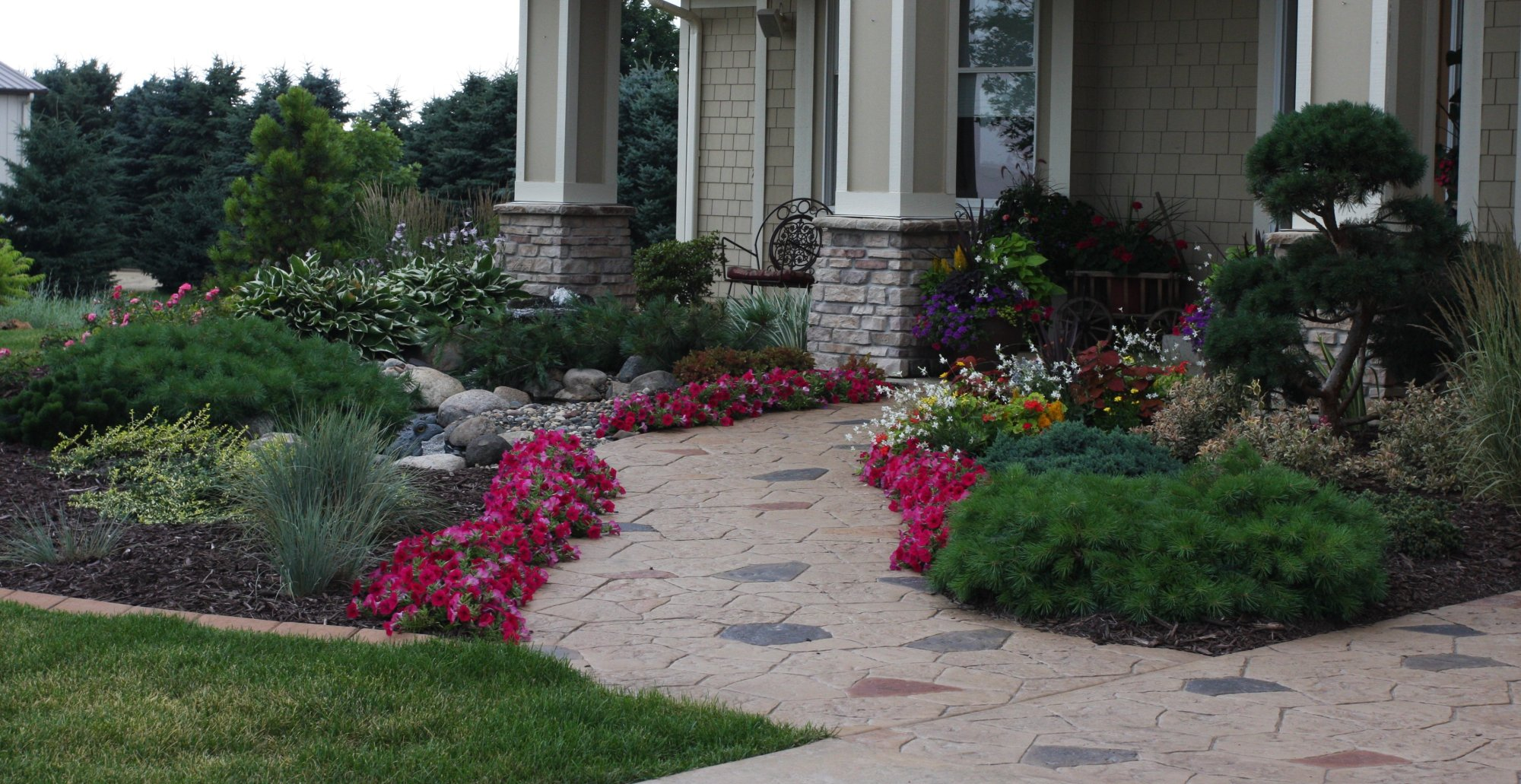 Landscape budgeting pahl 39 s market apple valley mn for Landscape design pictures